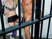 prisoner-ballbusting-07