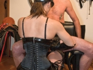 mistress-in-boots_03