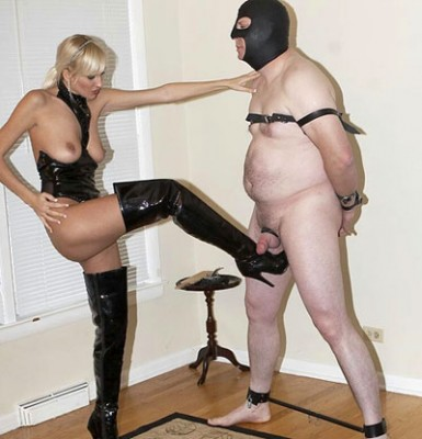 Boots Mistress ballbusting